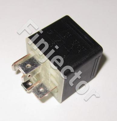Bosch change over RELAY 24V 10/20A, with diode